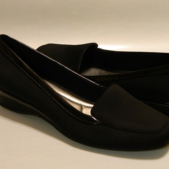 6e9e5d5e759 Bandolino Shoes - BANDOLINO Wedge Loafers Shoes Black Sz 9.5M NEW